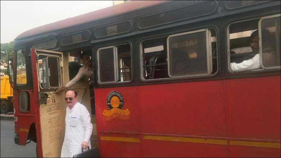 shirur taluka ex mla suryakant palande travel st bus