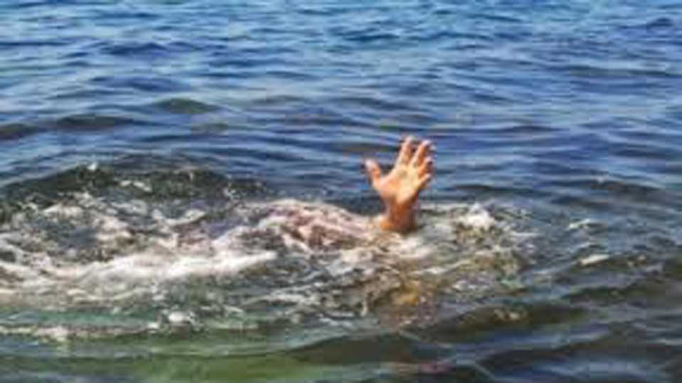 Siblings drowning in Ambajogai taluka
