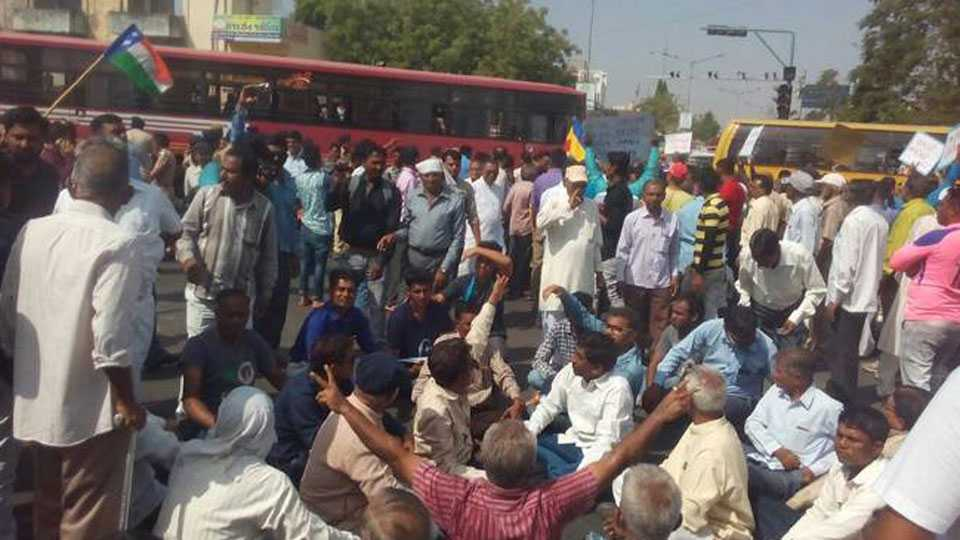 12 injured in clashes in Bihar during Bharat Bandh security increased in MP and Rajasthan