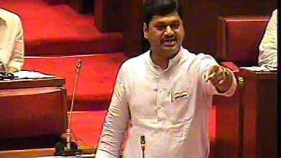 What is your promise says Dhananjay Munde to Chief Minister questioned