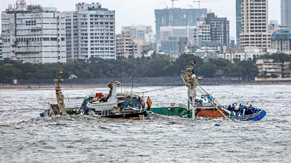 Floating-Boat