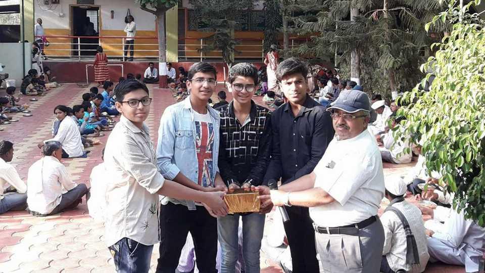 Sweets donation of students from Jwalanta Hindutva group to disabled welfare center