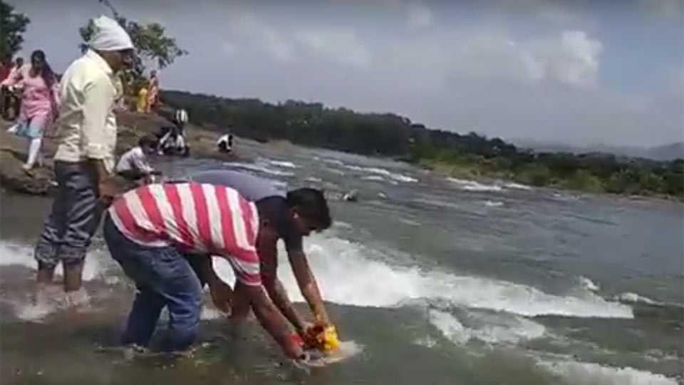 Marathi News water released Khadakwasala dam Ganesh immersion procession