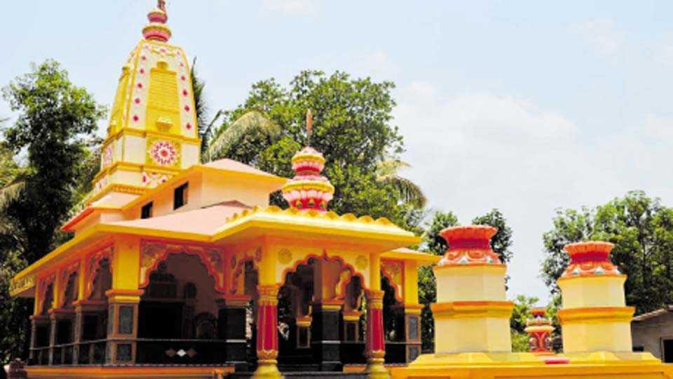 कणकवली - कलमठ गावडेवाडीतील श्री देव लिंगेश्वर मंदिर