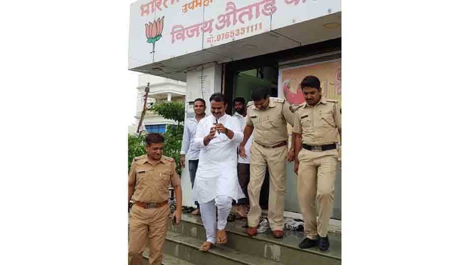 BJP corporator arrested for fighting with MIMs Mattin