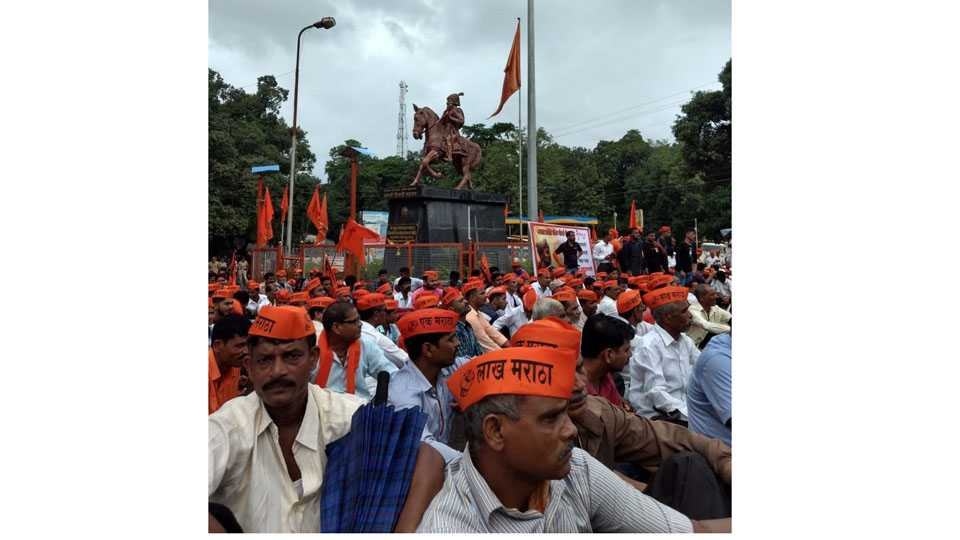 Maratha Kranti Morcha Maharashtra Bandh Poladpur Highway