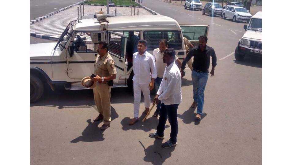 Three ministers have been present in Nagar for Sanjay Khotkar Murder Case