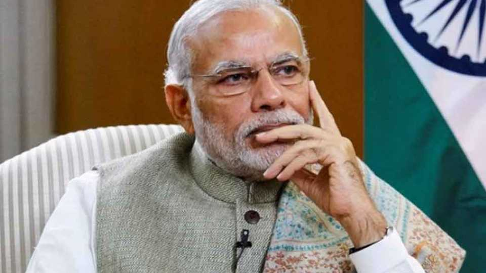 पंतप्रधानांच्या विदेश दौऱ्यांची फाइल माहिती आयोगाने मागितली