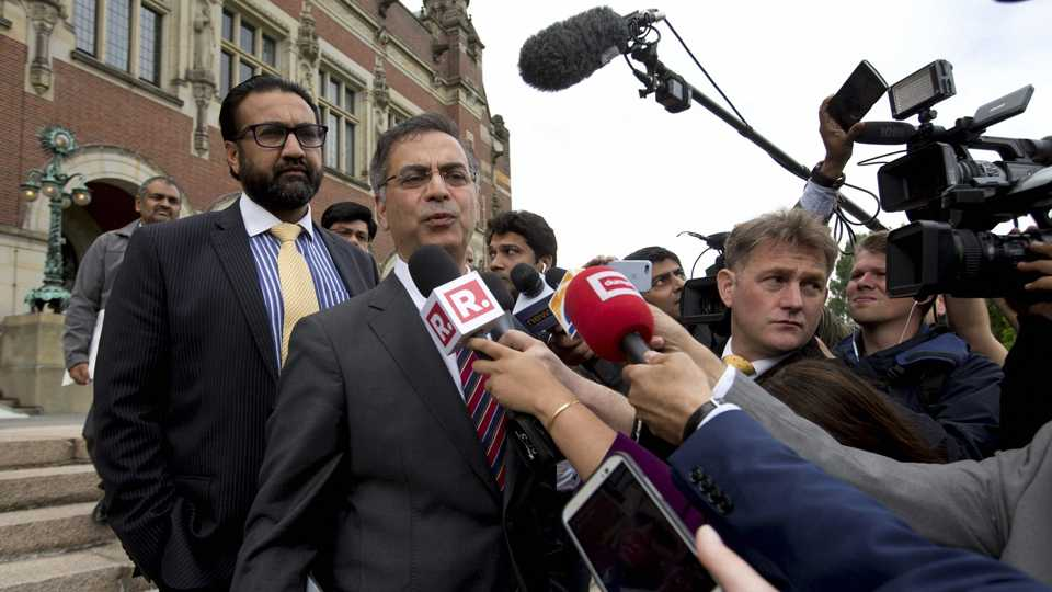Pakistani officials outside ICJ