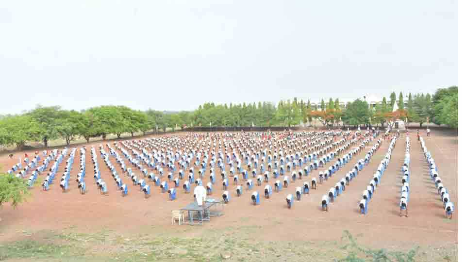 International yoga day at shirsufal parvadi baramati