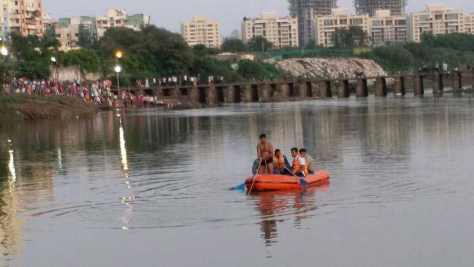 Marathi news Pimpari Chinchwad News two children drowned Ganesh immersion procession