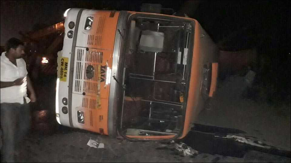 pune bus accident