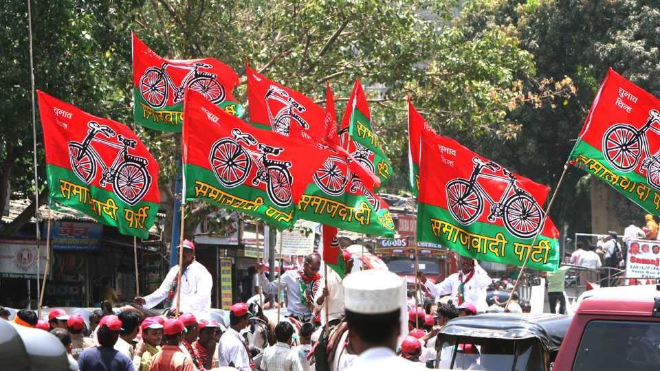 Total income of 32 regional parties Rs 321 crore in 2016 17 Samajwadi Party richest says ADR report