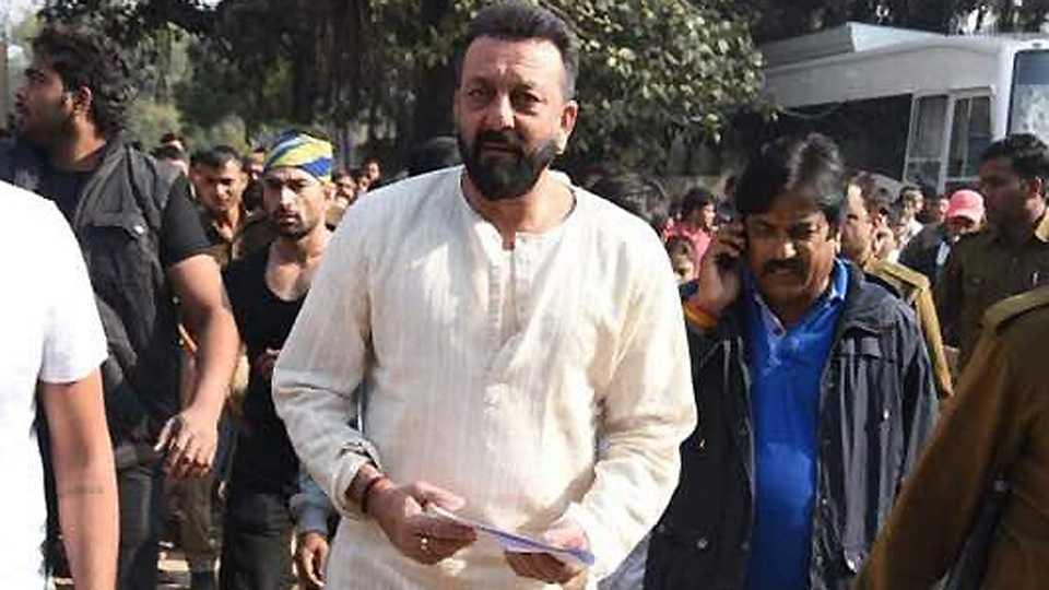 Sanjay Dutt turns emotional