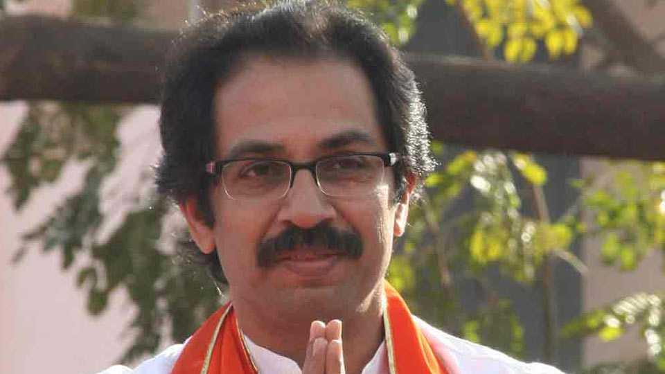 Uddhav Thakarne has appreciated the fight for Anganwadi Sevaks