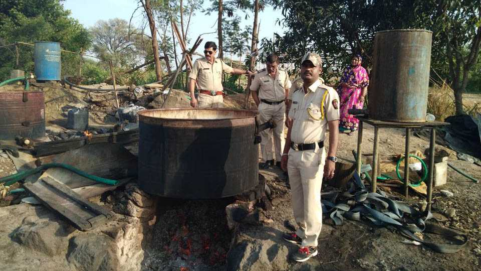 Raids on liquor furnace at Uduli Kanchan