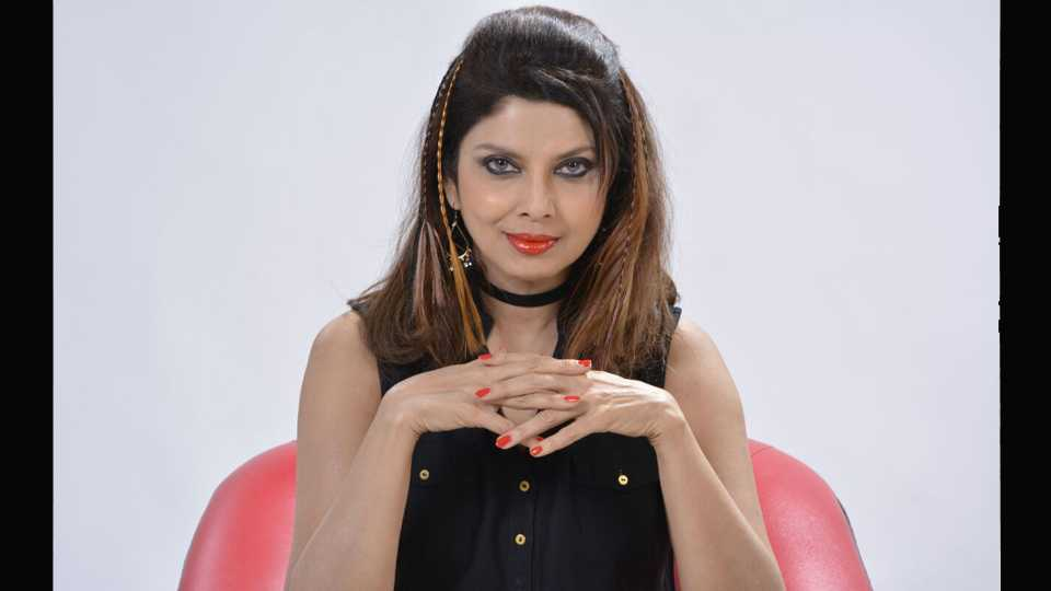 Actress Varsha Usgavkar Changes Her Look For New Movie