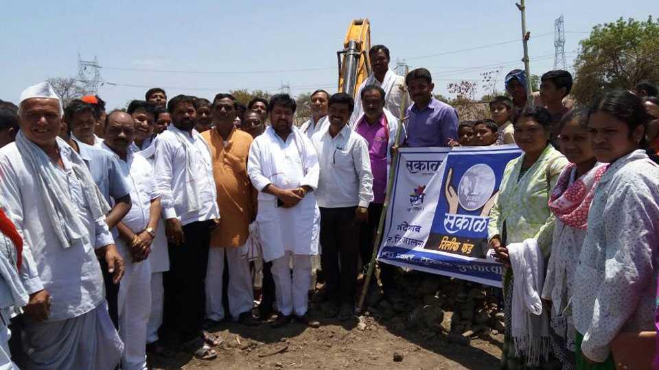 farmers happy for Sakal's water conservation work : Arjun Khotkar
