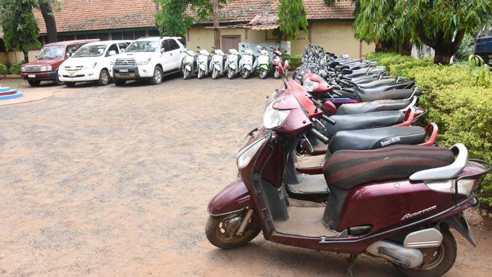 Sangoli Rayna Society Scam 41 lakhs vehicles seized