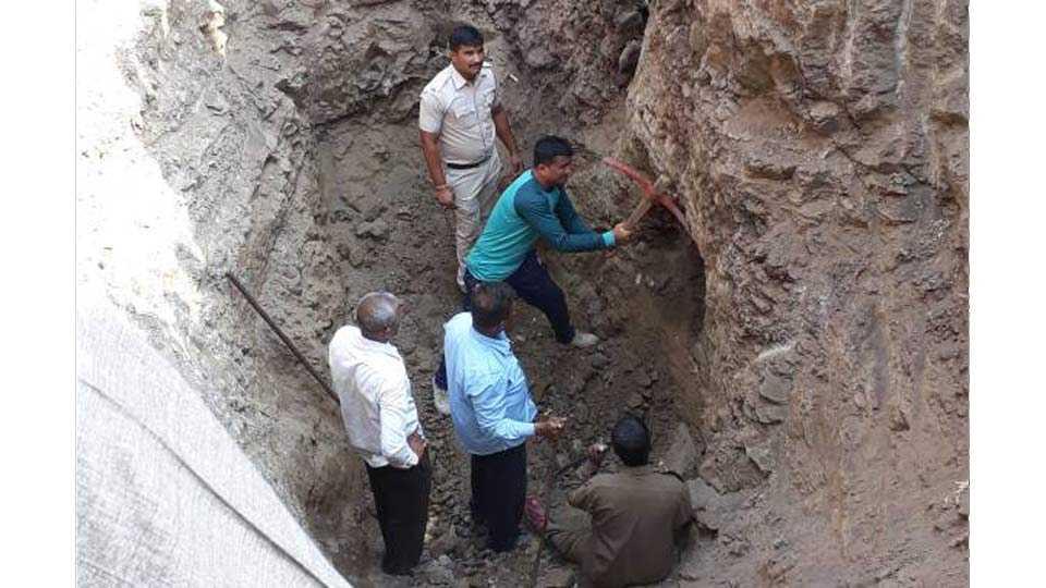 Kopargaon: Death of a boy lying in a borewell