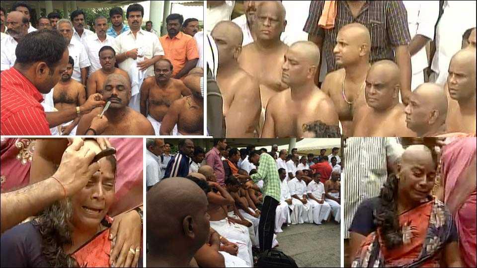 People Tonsure Head as Mark of Respect to Jayalalithaa