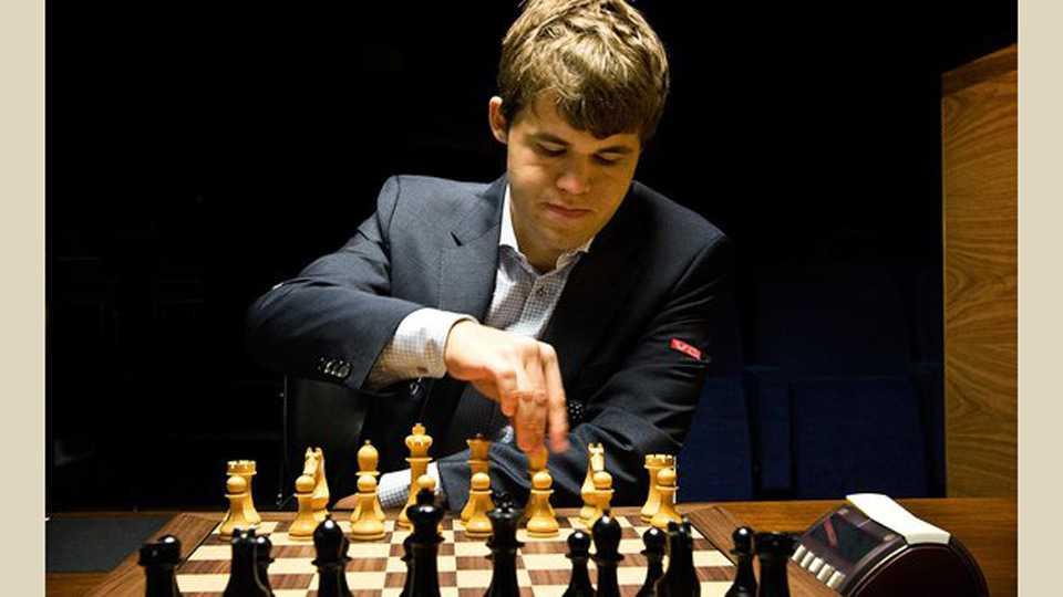sakal-news-esakal news competitive exam news series upsc mpsc chess Magnus Carlsen