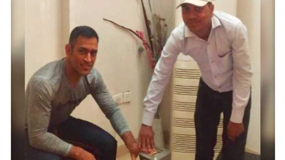 Dhoni's Aadhaar Details Leaked, Wife Sakshi Takes on Ravi Shankar Prasad