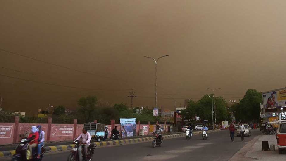 Eighteen People Dead After Powerful Dust Storm Hits Rajasthan