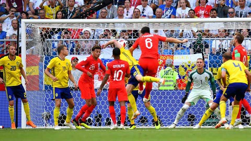England move ahead ... Sweden beat 2-0