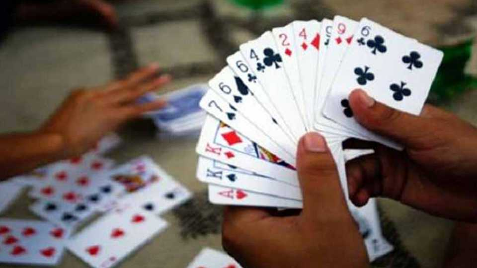 Police raids on gambling bases in Karhad