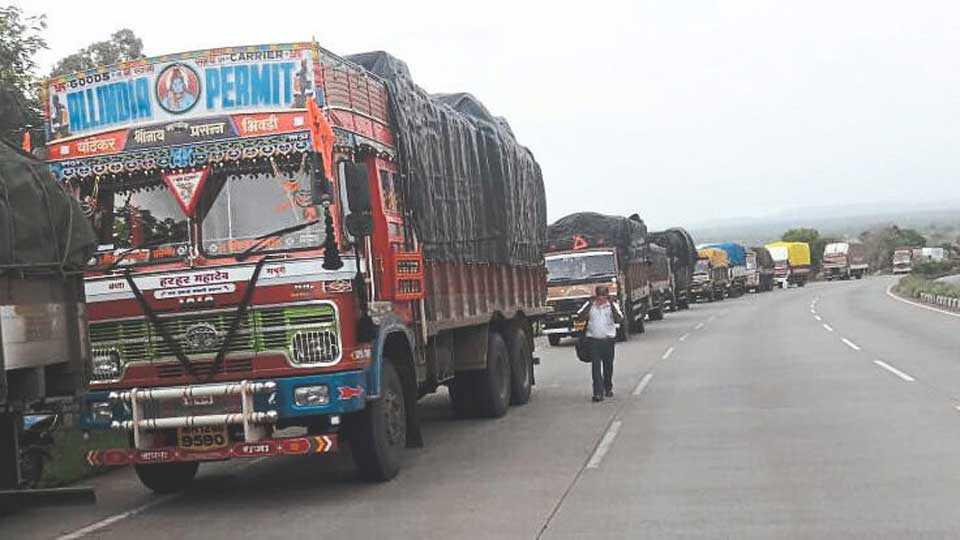 Highway jam due to gas leak near Nipani