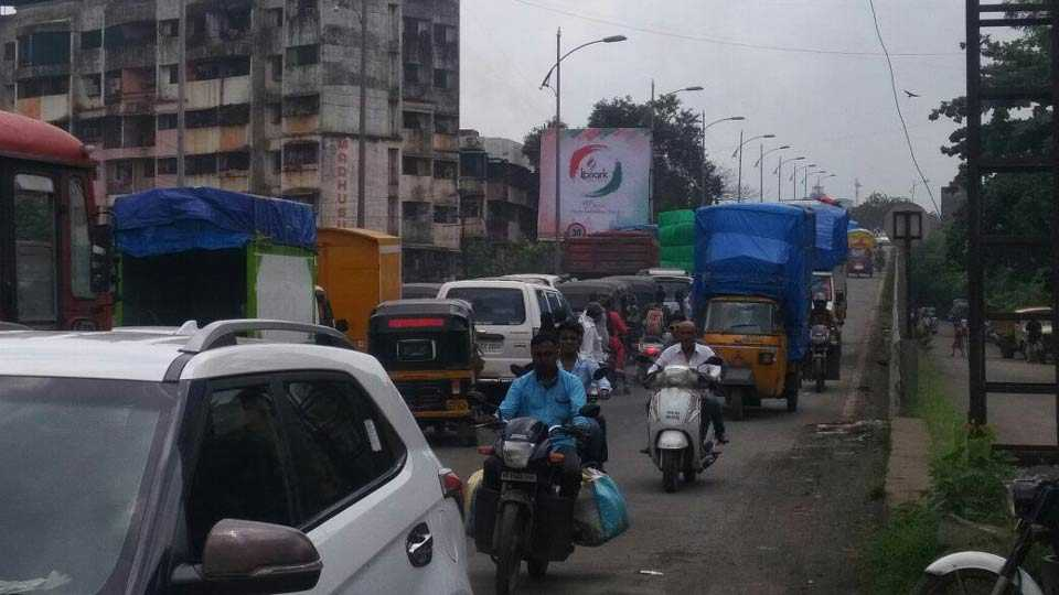 Kalyan traffic