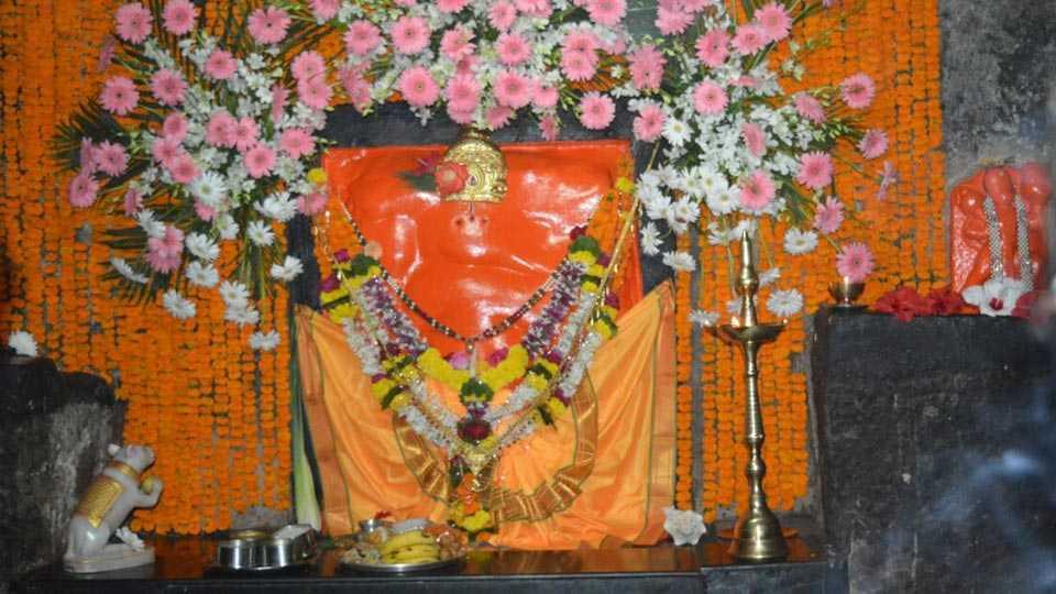 lenyadri-temple