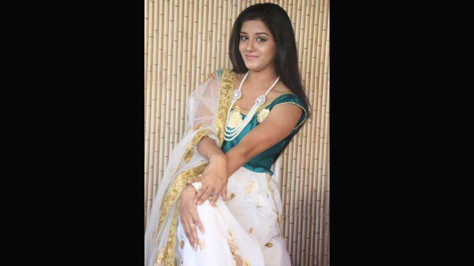 Mithila Dahake judges beautiful beauty Smile