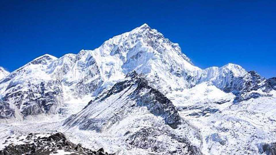 marathi news mount everest sakal editorial