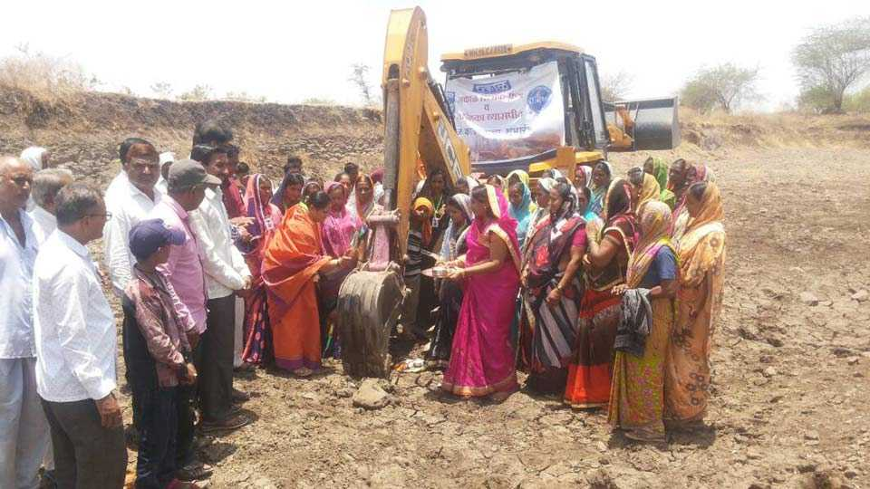 Start of removing pond mud from 'Sakal Relief Fund'