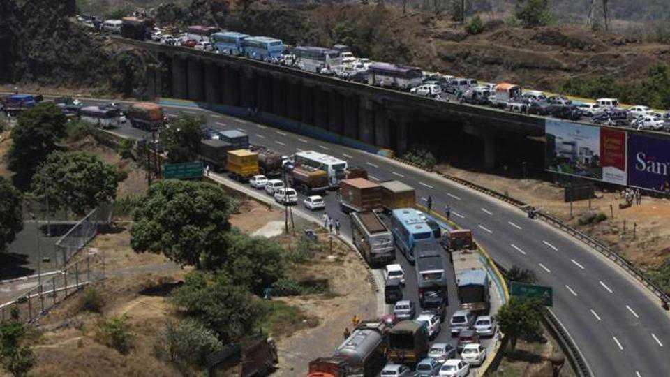 The traffic Jam on Mumbai Goa road