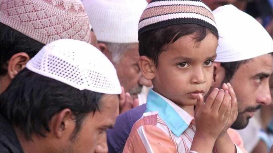ए आल्हा रहेम कर...! पावसासाठी मुस्लिम बांधवांची प्रार्थना...!