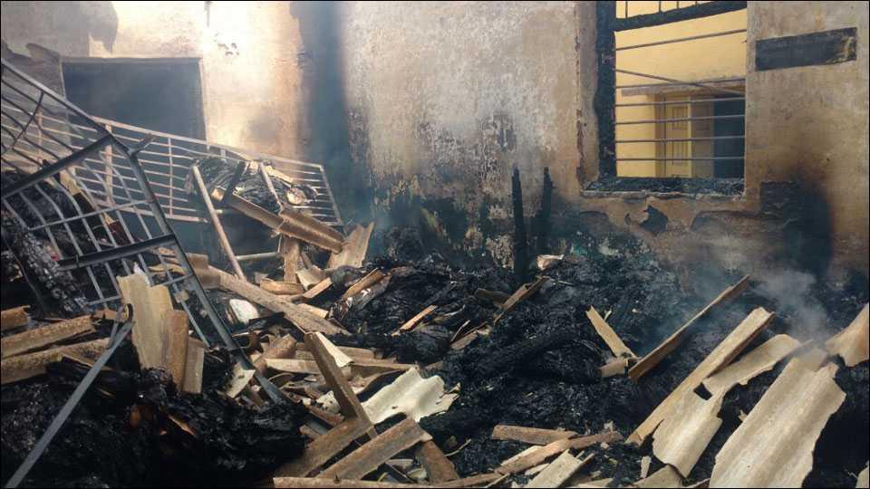 पाच महिन्यात दुसऱ्यांदा पाटोदा उपविभागीय कार्यालयाला लावली आग