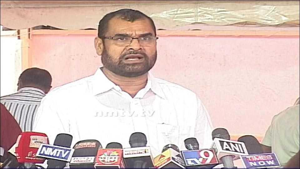 sadabhau khot demanded Rs 1,000 crore for water schemes
