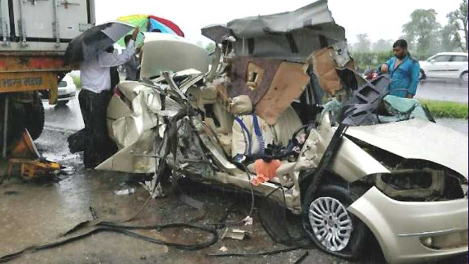 road accident mahakali ctors died esakal news