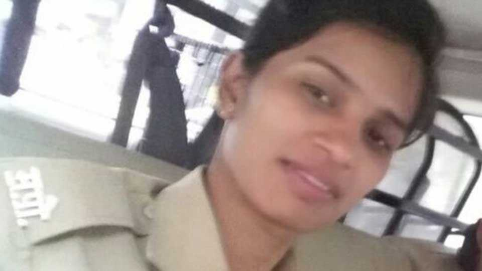 women police constable commits suicide