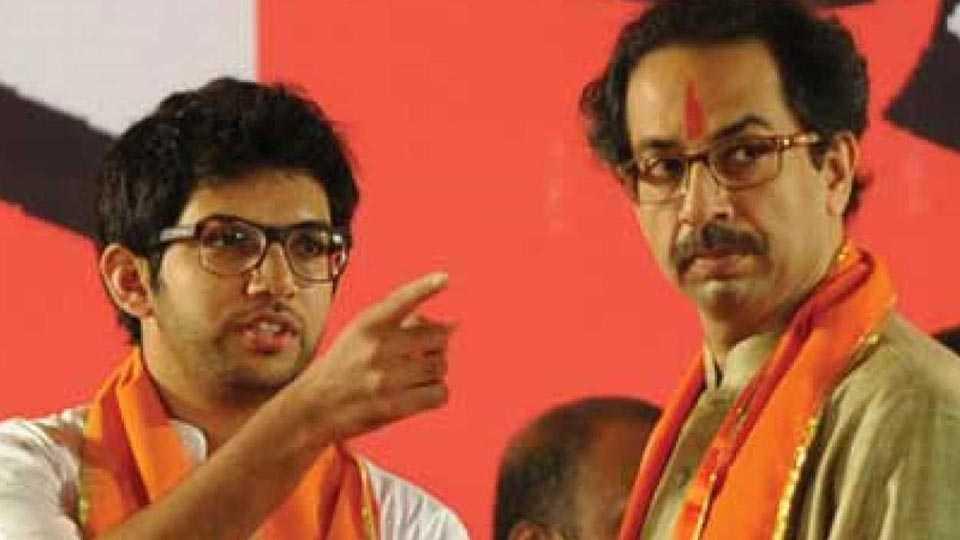 aditya and uddhav thackeray