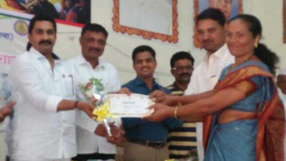 Junnar honored by the Agriculture Department of the progressive farmers