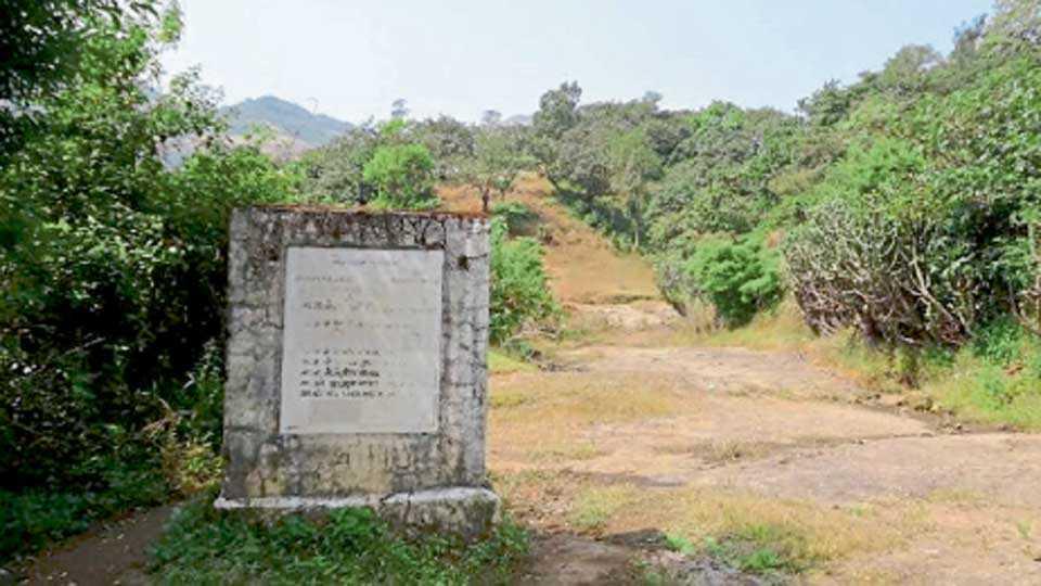 दाऱ्या घाट (ता. जुन्नर) - युती सरकारच्या काळात १९९५ नंतर अणे-माळशेज रस्त्याला पर्याय म्हणू जुन्नरमार्गे दाऱ्या घाटातून रस्ता करण्याची योजना आखण्यात आली. तत्कालीन मुख्यमंत्री मनोहर जोशी यांनी त्याचे भूमिपूजनही केले होते. परंतु, नंतर हा प्रकल्प काही कारणास्