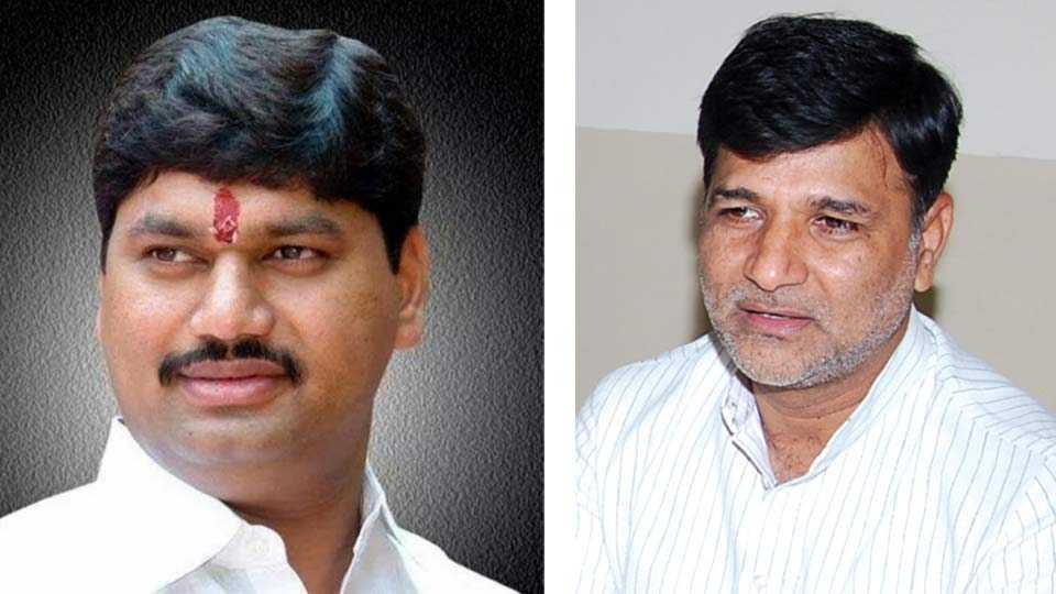 Dhananjay Munde, Vinayak Mete