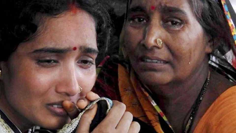 Marathi News Gorakhpur Tragedy Parents Blame Hospital Administration