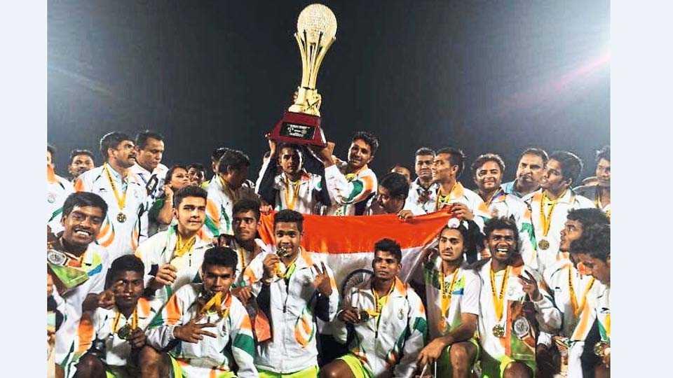 भारताचा विजेता हॉकी संघ.