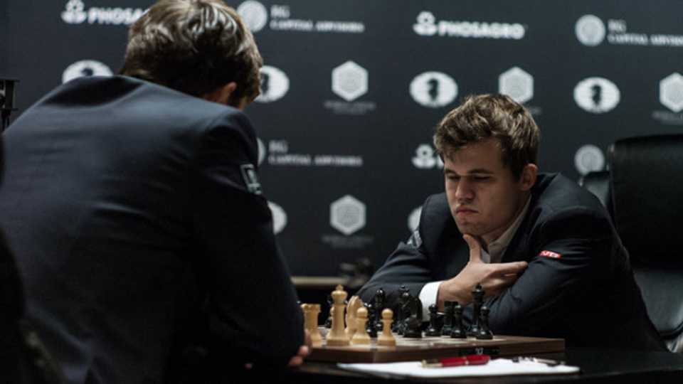 Magnus-Carlsen-and-Sergey