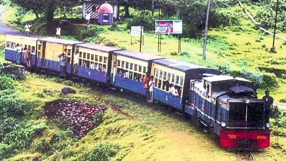 माथेरानची 'मिनी ट्रेन.'